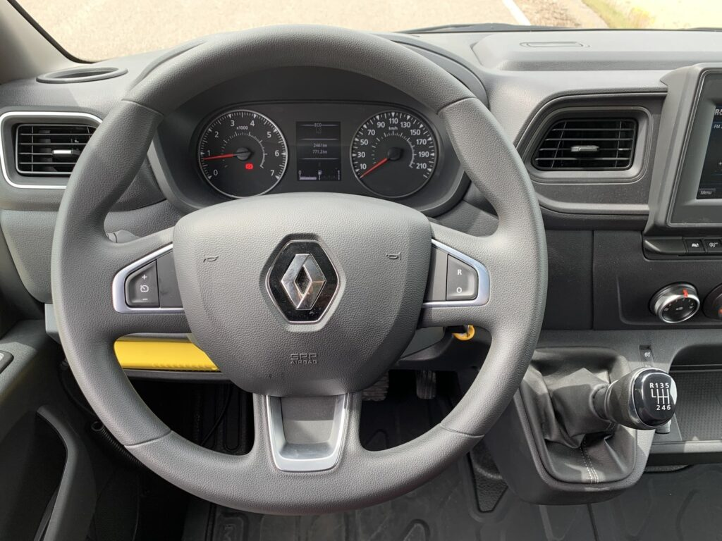 Renault Master autostradowy 72 1024x768
