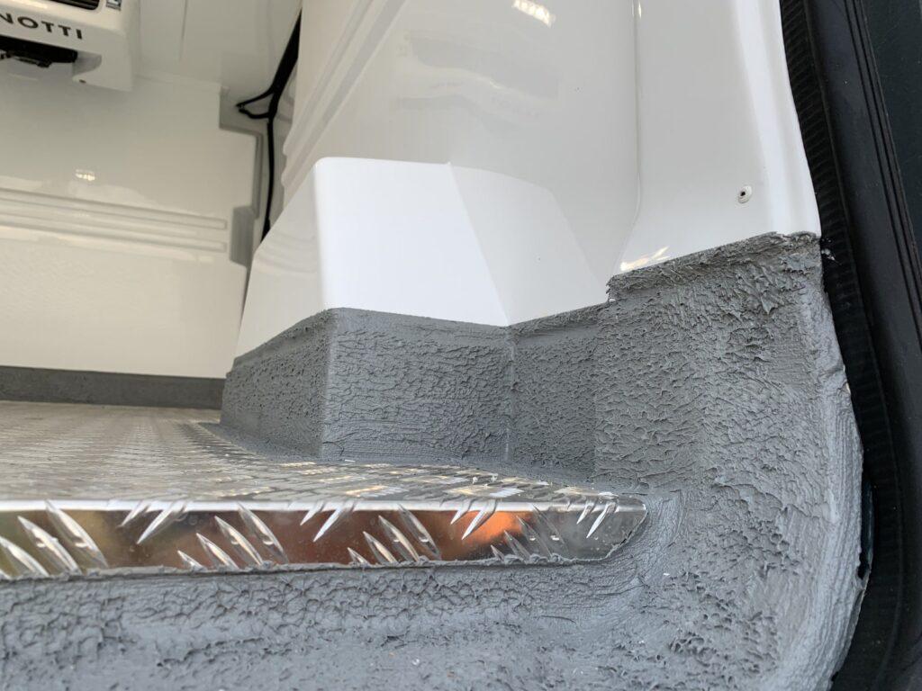 Renault Trafic Izoterma CarPol 31 1024x768