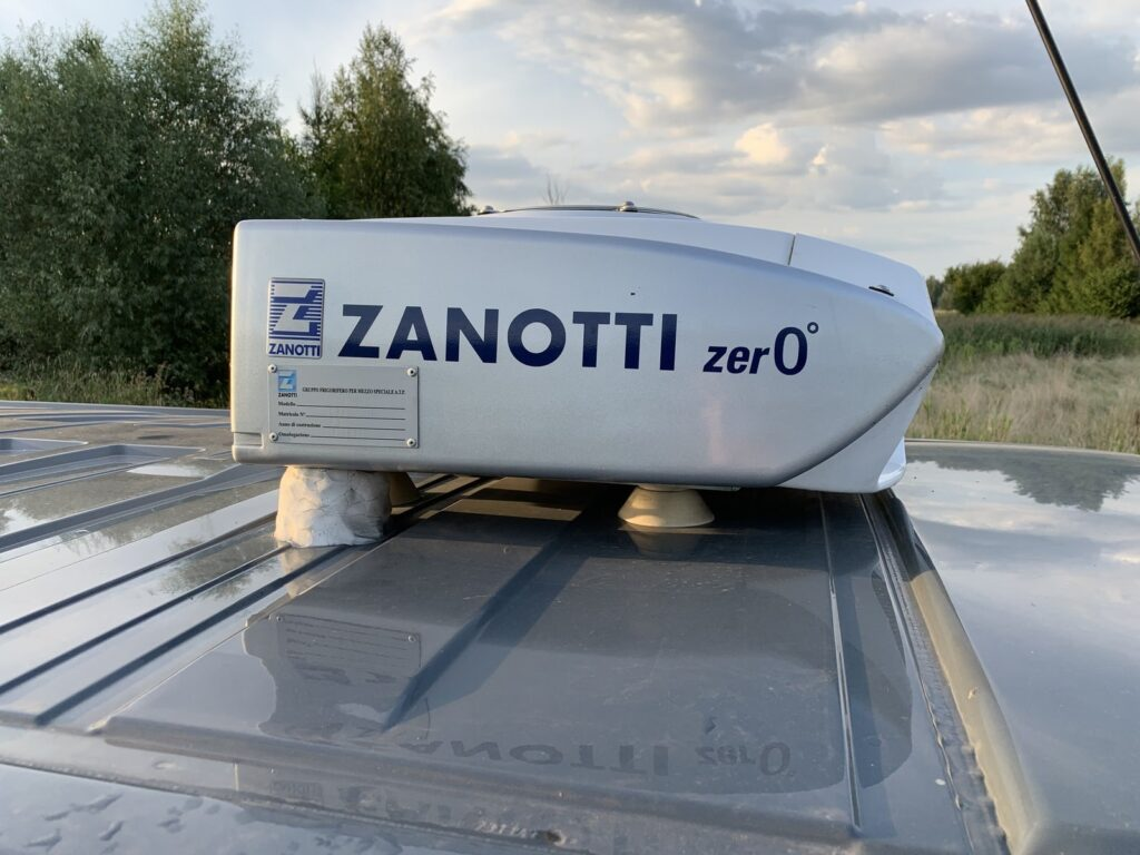 Renault Trafic Izoterma CarPol 36 1024x768