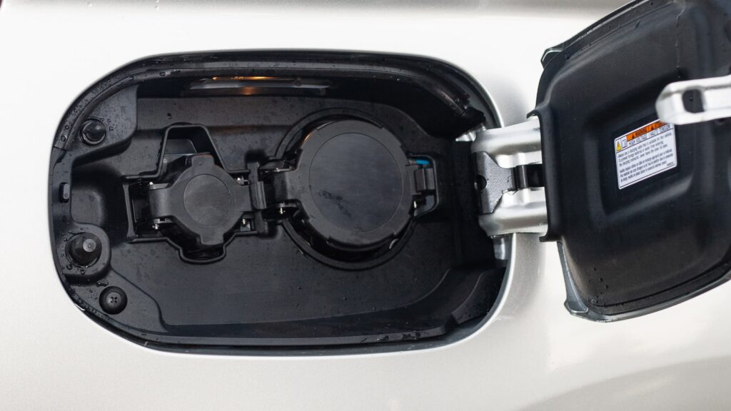 mitsubishi outlander phev 13 1024x576 Test: Mitsubishi Outlander PHEV   hybrydowy SUV