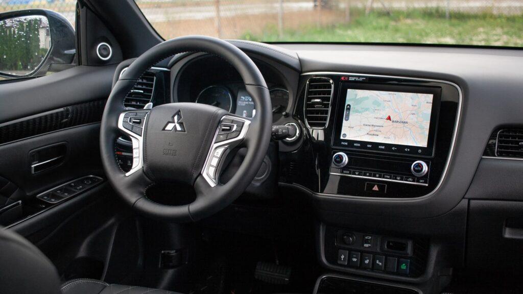 mitsubishi outlander phev 18 1024x576 Test: Mitsubishi Outlander PHEV   hybrydowy SUV