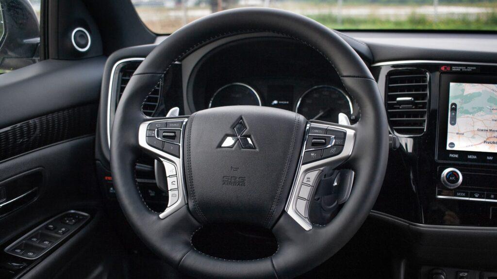 mitsubishi outlander phev 20 1024x576 Test: Mitsubishi Outlander PHEV   hybrydowy SUV