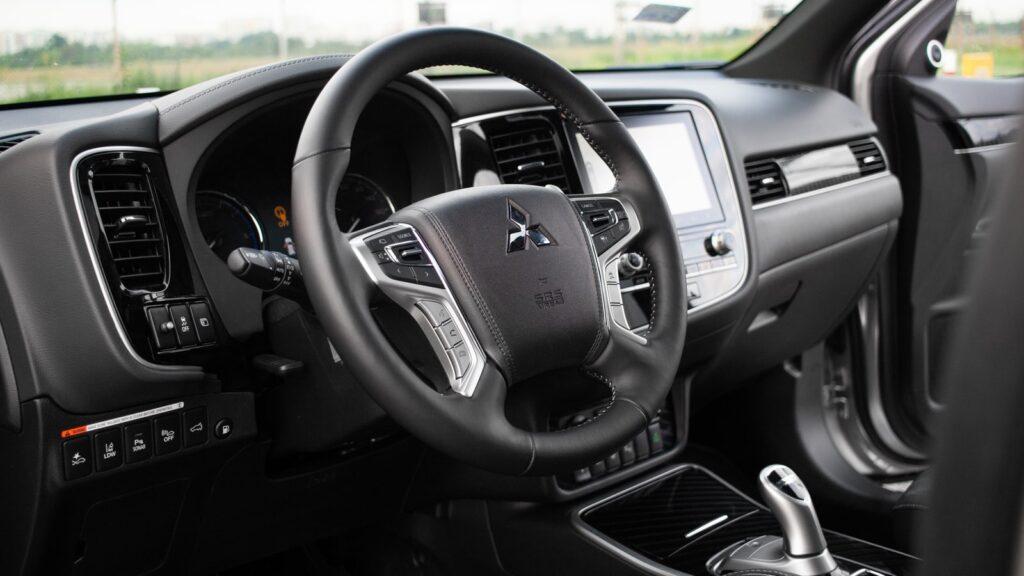mitsubishi outlander phev 22 1024x576 Test: Mitsubishi Outlander PHEV   hybrydowy SUV