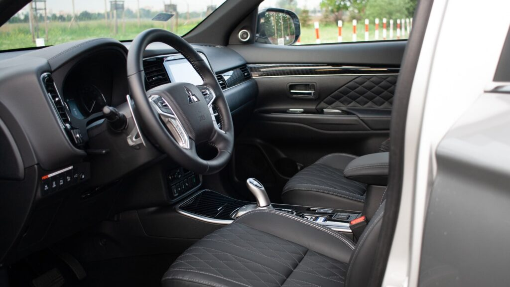 mitsubishi outlander phev 23 1024x576 Test: Mitsubishi Outlander PHEV   hybrydowy SUV