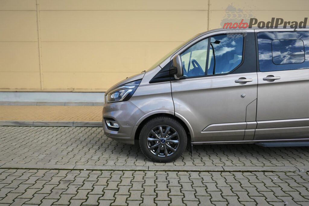Ford Tourneo Custom 37 1024x682