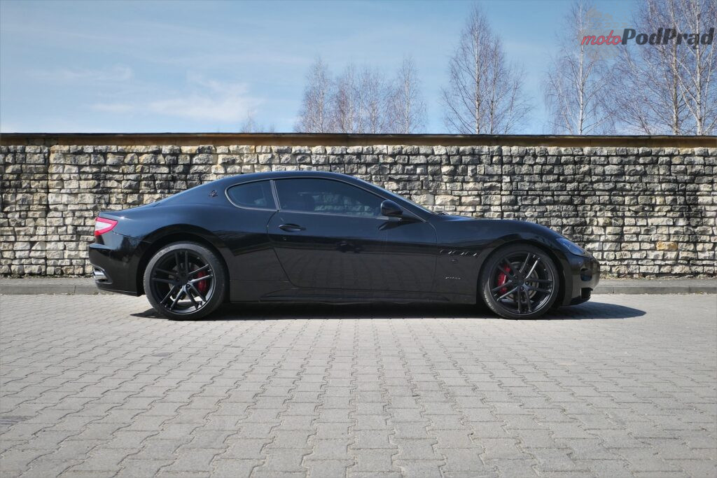 Maserati GranTurismo S 2012 45 1024x683