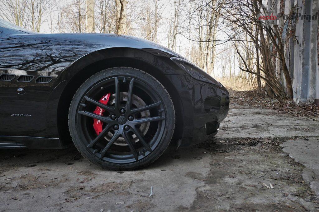 Maserati GranTurismo S 2012 6 1024x682