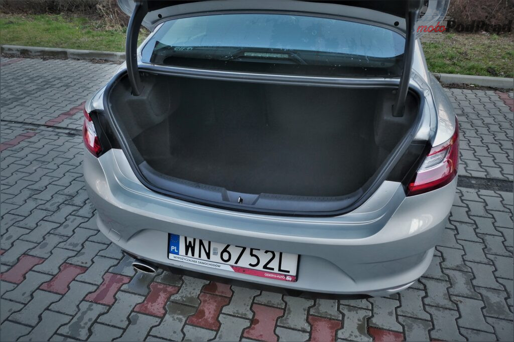 Odkryj auto renault megane grancoupe 15 1024x682