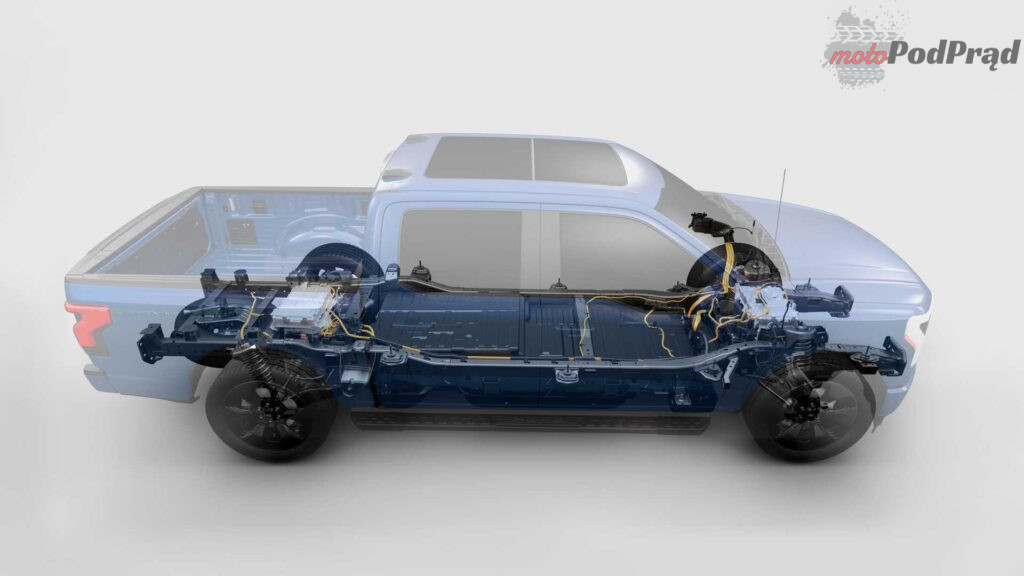 2022 ford f 150 lightning cutaway 1024x576