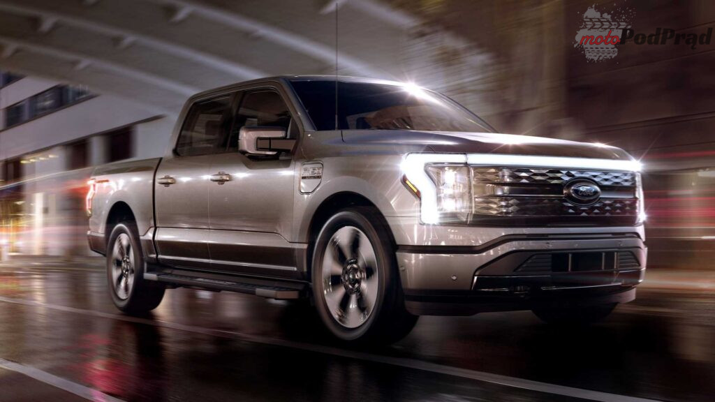 2022 ford f 150 lightning side view 1024x576