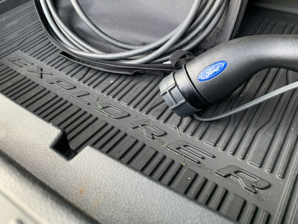 Ford Explorer 100 1024x768