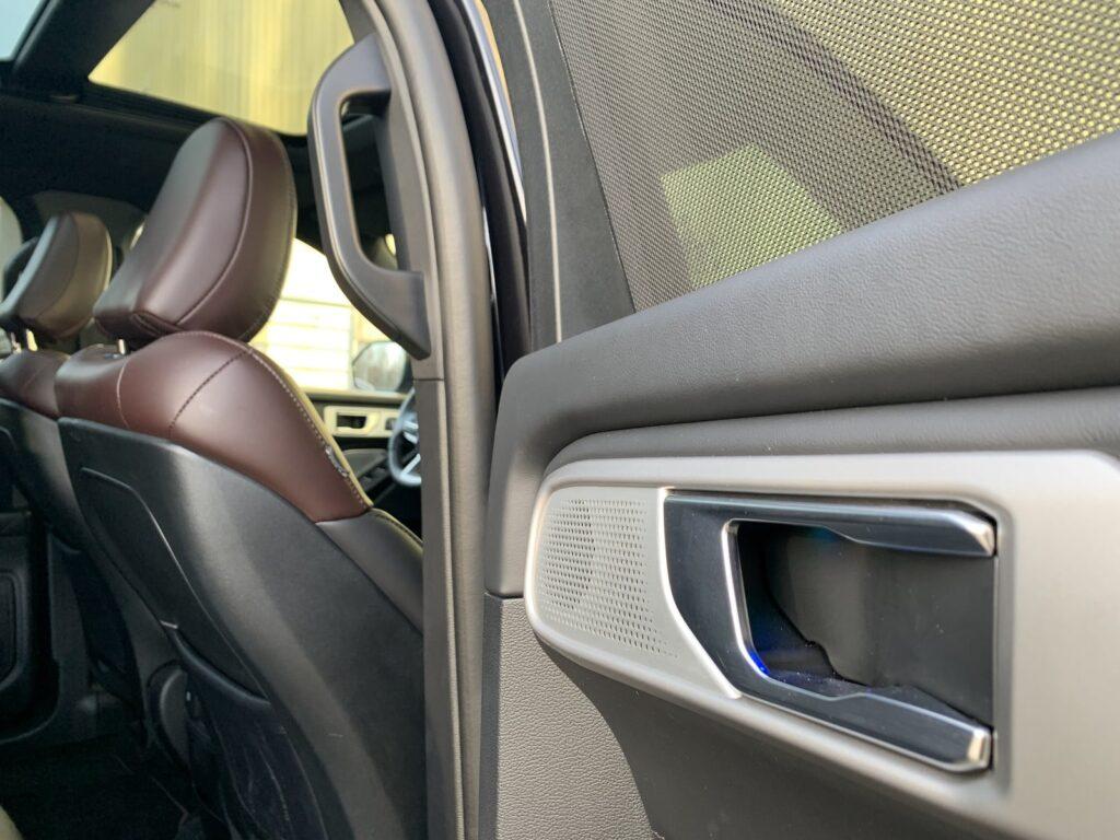 Ford Explorer 70 1024x768