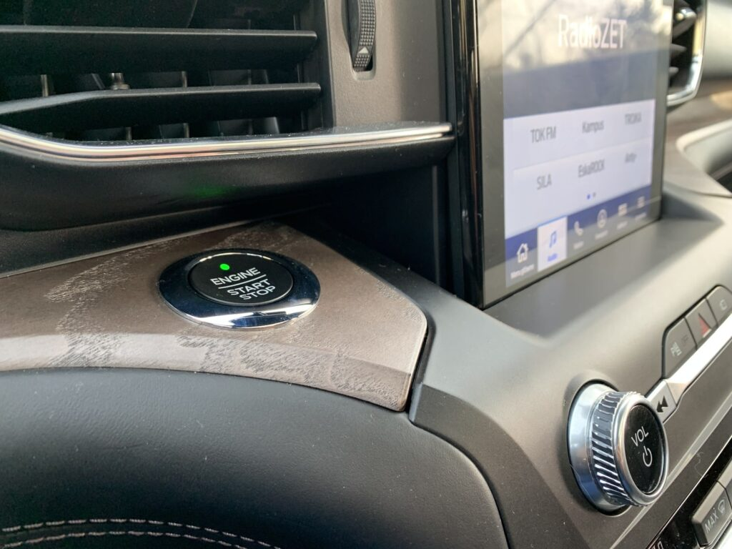 Ford Explorer 80 1024x768