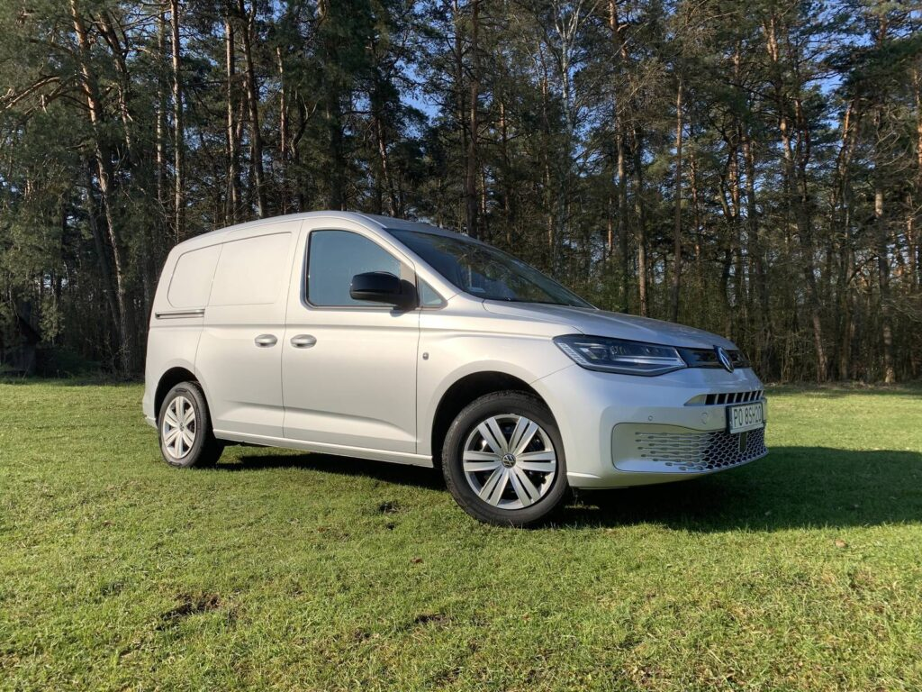 Volkswagen Caddy 12 1024x768