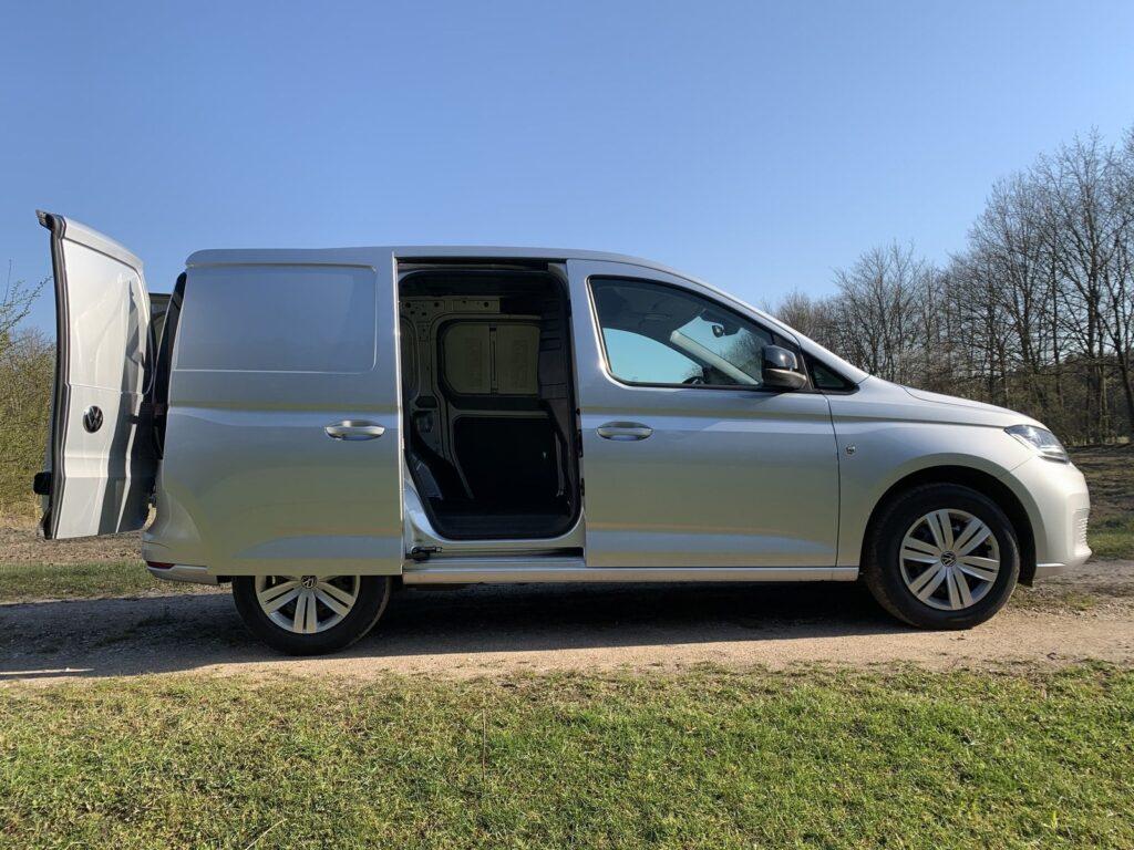Volkswagen Caddy 17 1024x768