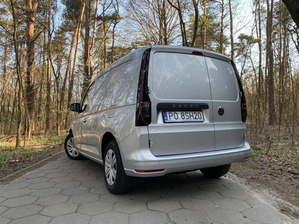 Volkswagen Caddy 21 1024x768