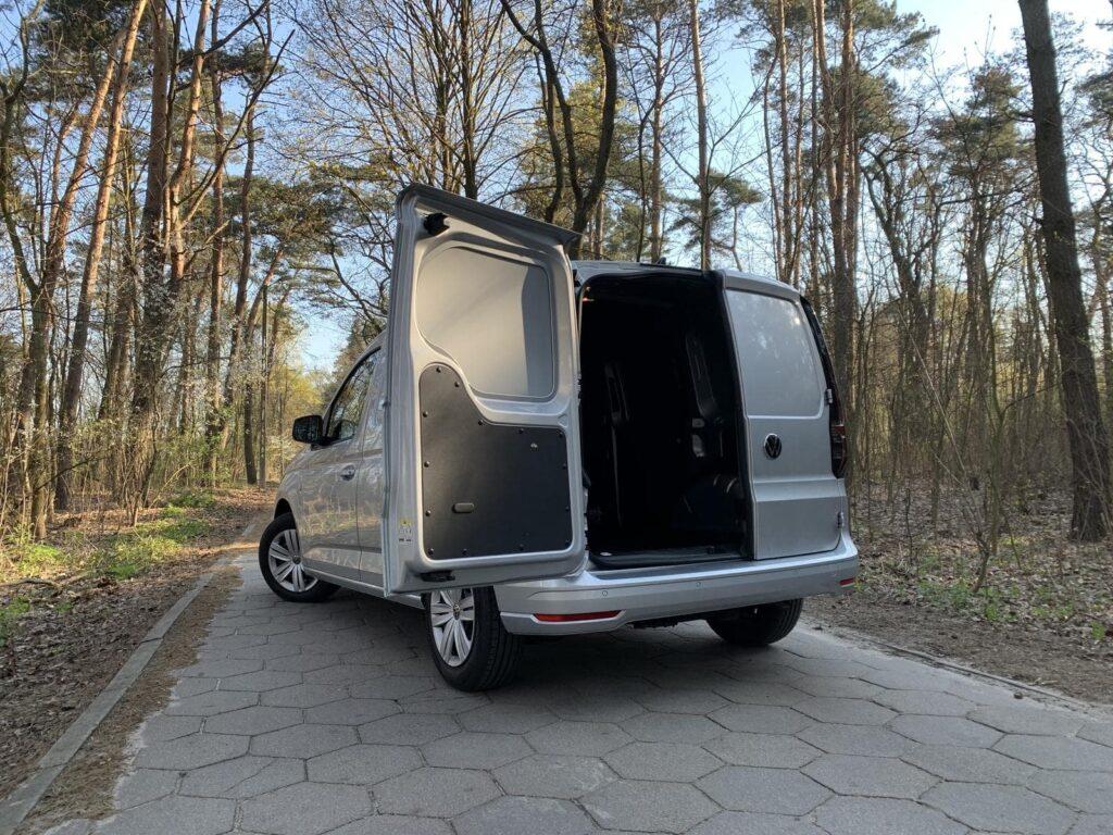Volkswagen Caddy 23 1024x768
