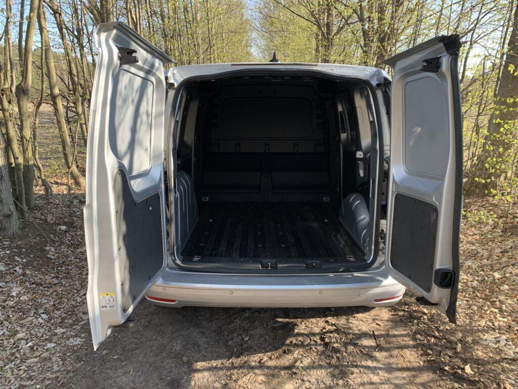 Volkswagen Caddy 26 1024x768