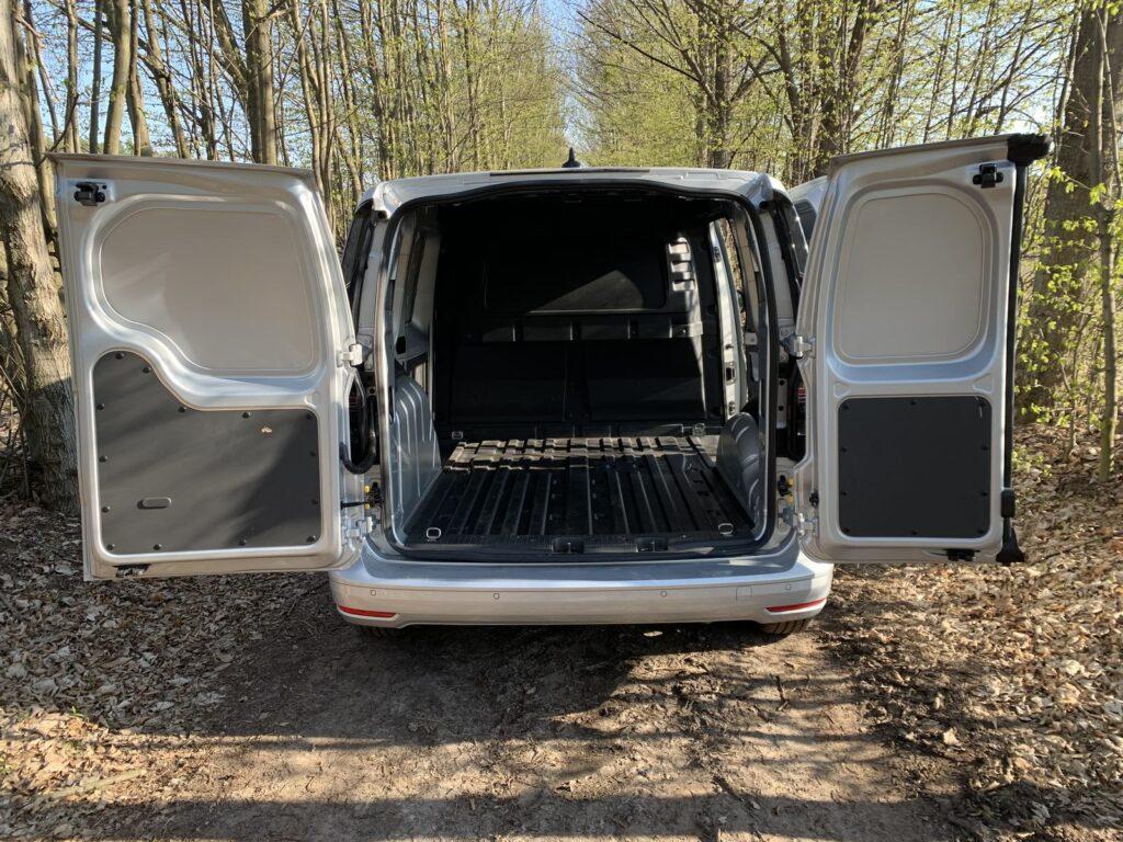 Volkswagen Caddy 29 1024x768
