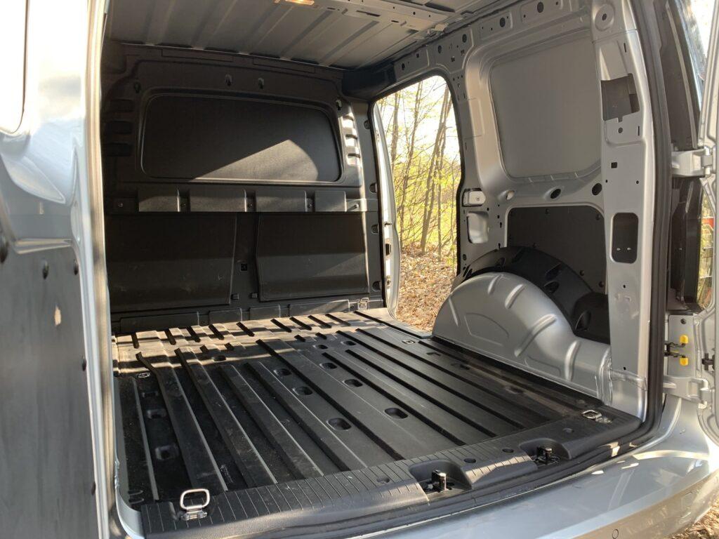 Volkswagen Caddy 31 1024x768