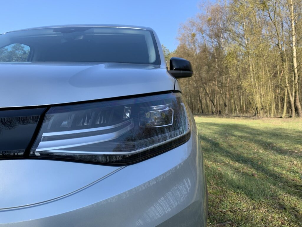 Volkswagen Caddy 7 1024x768