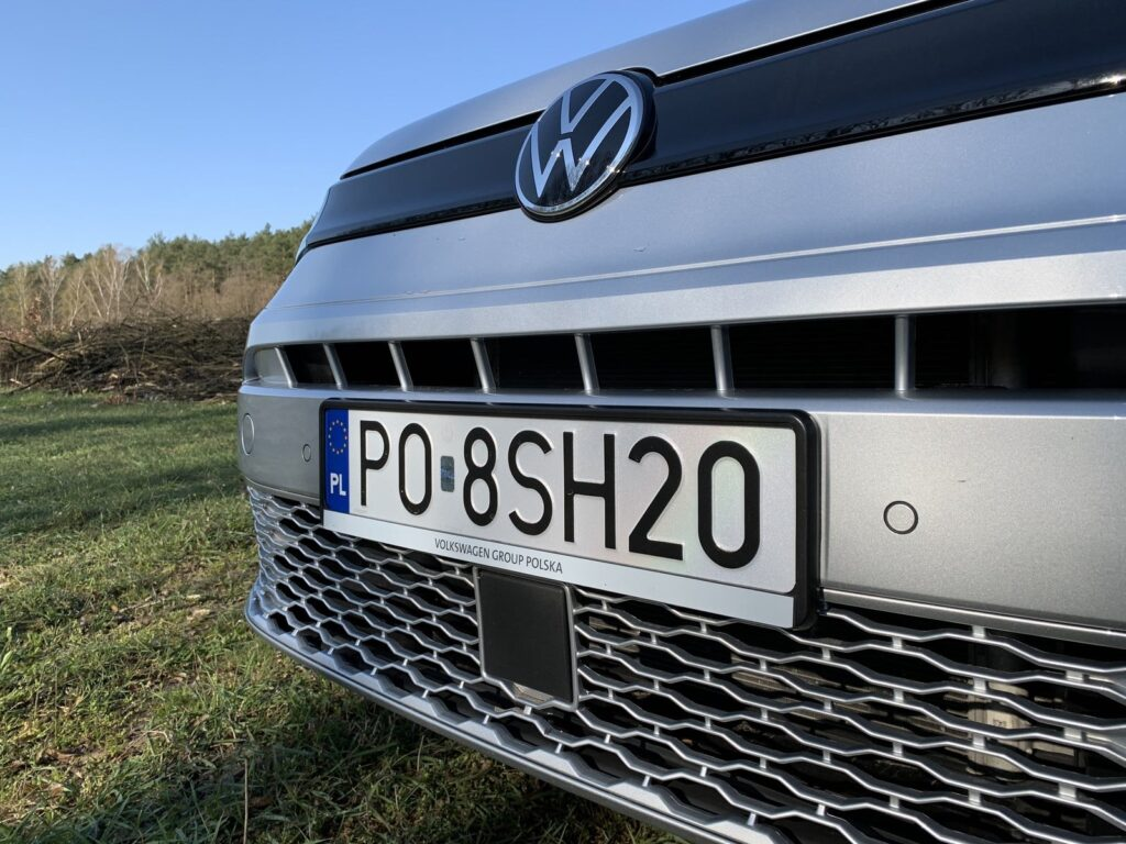 Volkswagen Caddy 8 1024x768