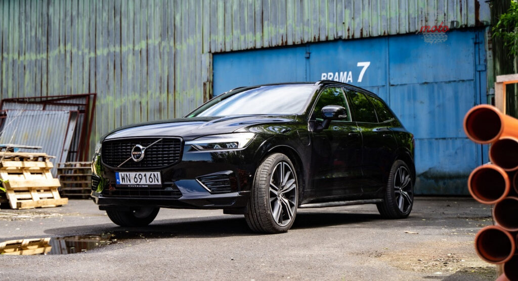 Volvo XC60 T8 Recharge 4 1024x556