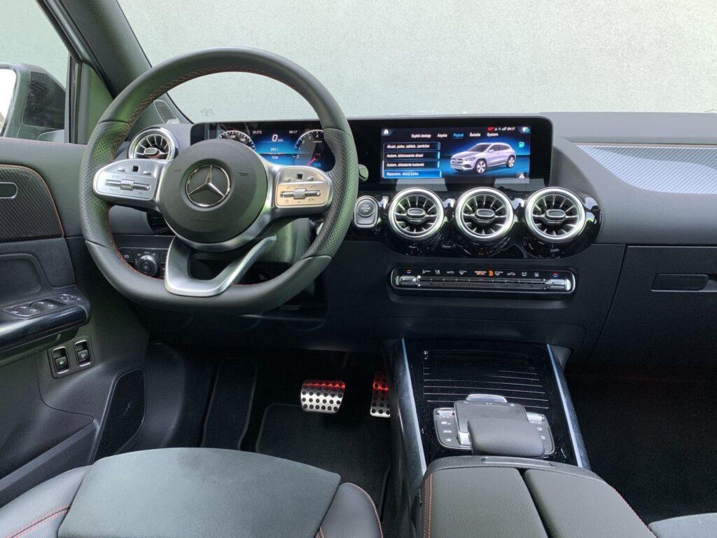 Mercedes GLA205E 26 1024x768