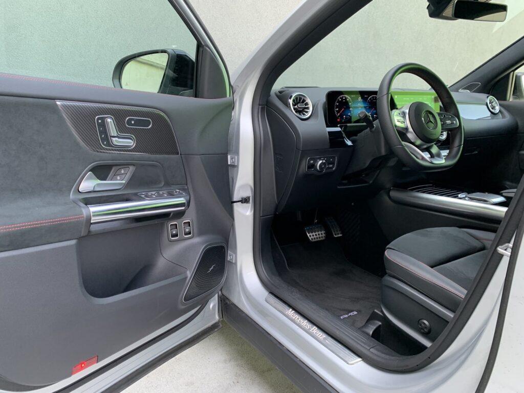 Mercedes GLA205E 28 1024x768