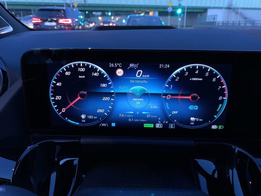 Mercedes GLA205E 33 1024x768
