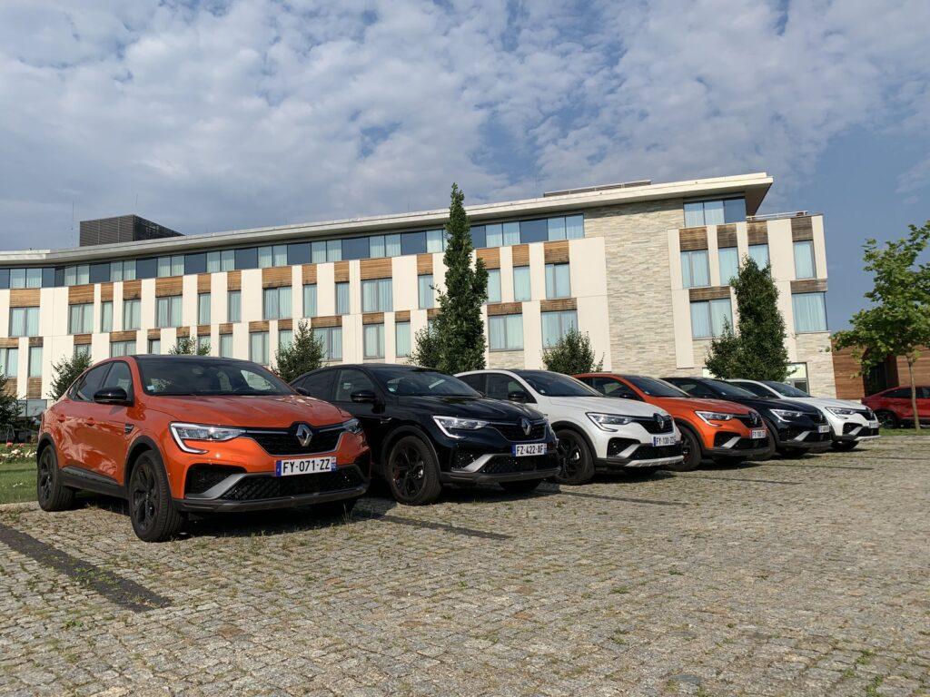 Renault Arkana Hybrid 4 1024x768