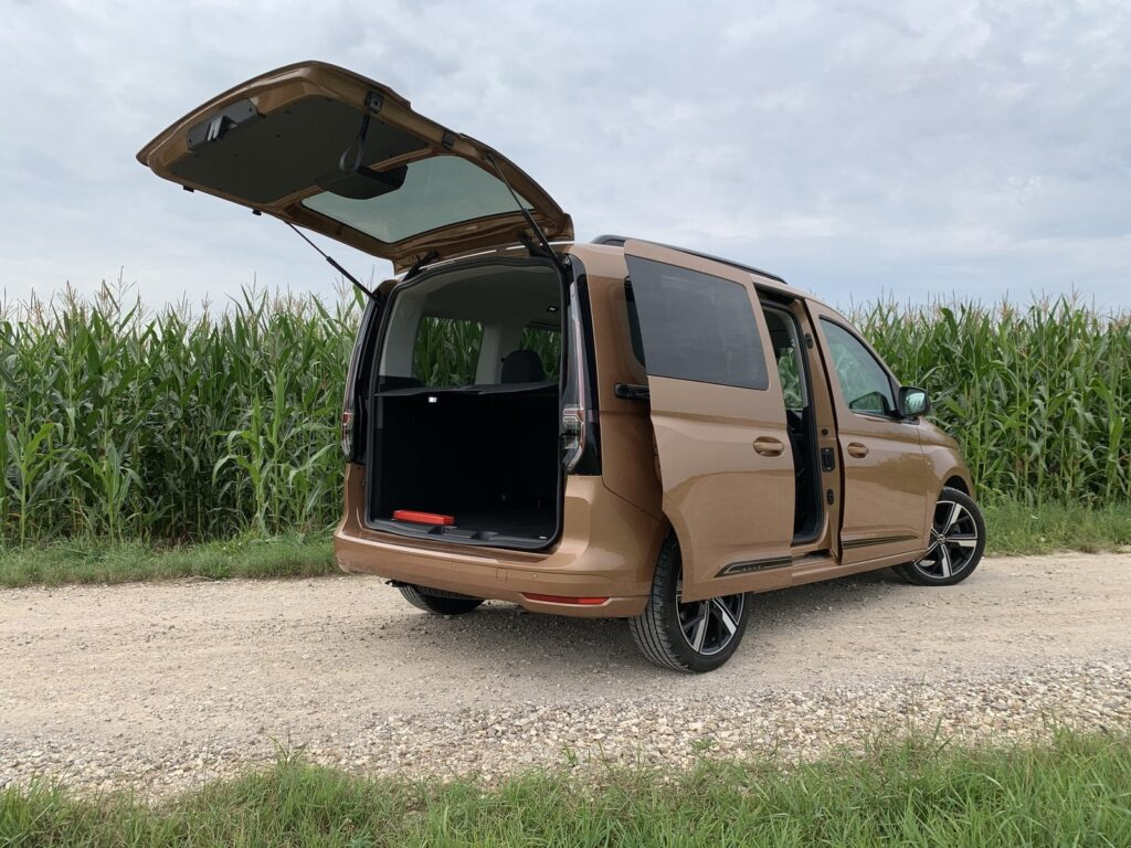 VW Caddy move 17 1024x768