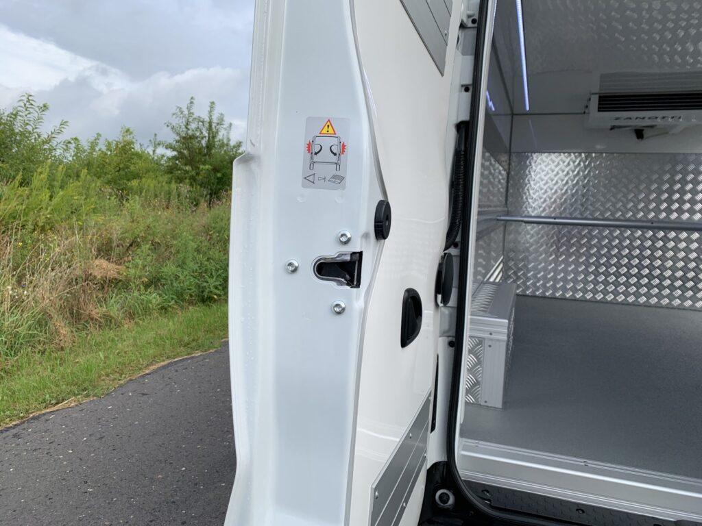 Renault Trafic Izoterma Szubert 23 1024x768