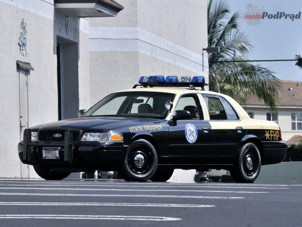 ford crown victoria p71 police interceptor 3 1024x768