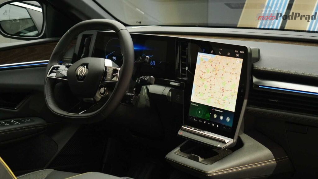 live photos of renault megane e tech from iaa 2021 1024x576
