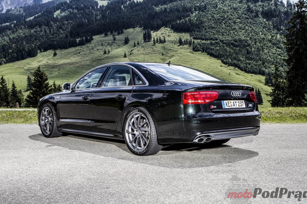 2127 Audi S8 na sterydach