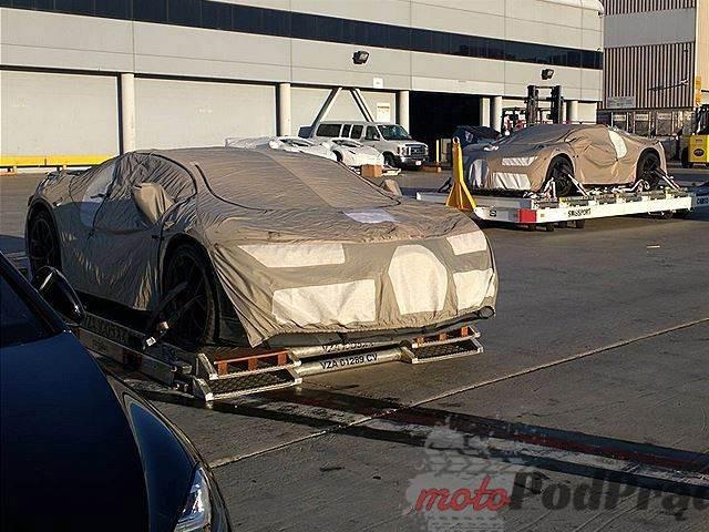511651 Bugatti Chiron rozniesie konkurencję?