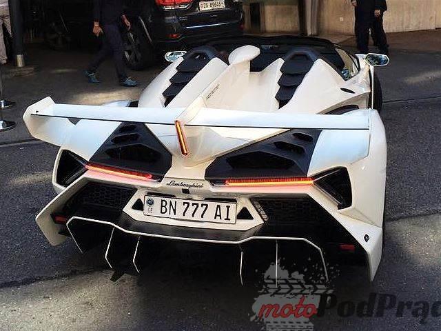 512441 Najbrzydsze Lamborghini świata?