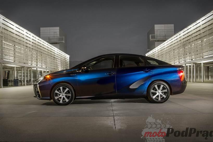684 Toyota Mirai – mała elektrownia na kołach