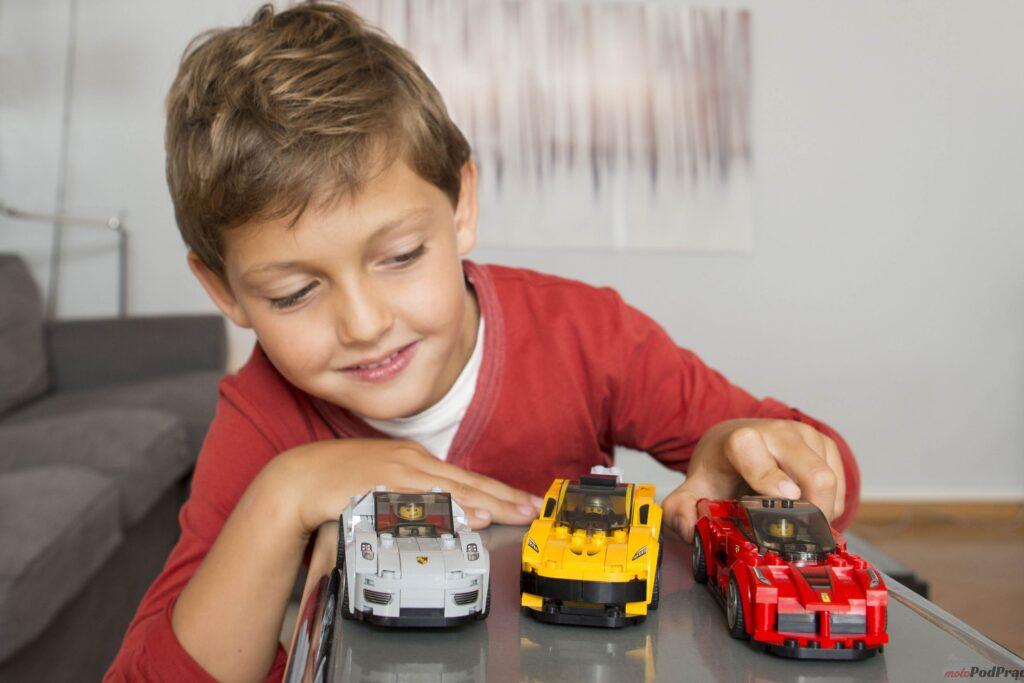 LEGO Speed Champions Zabawa Dzieci 1 1024x683 MGT: zestawy LEGO różnych marek