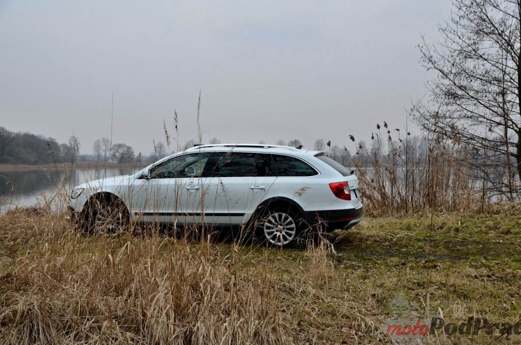 Superb 10 1024x678 Test: Skoda Superb Outdoor 2.0 TDI 140 KM