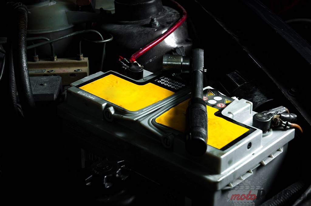 akumulatorl Jak przygotować samochód na zimę?